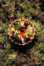 Image de Tartelette de champignons sauvages, œufs de truite et châtaigne ( à l'unité )